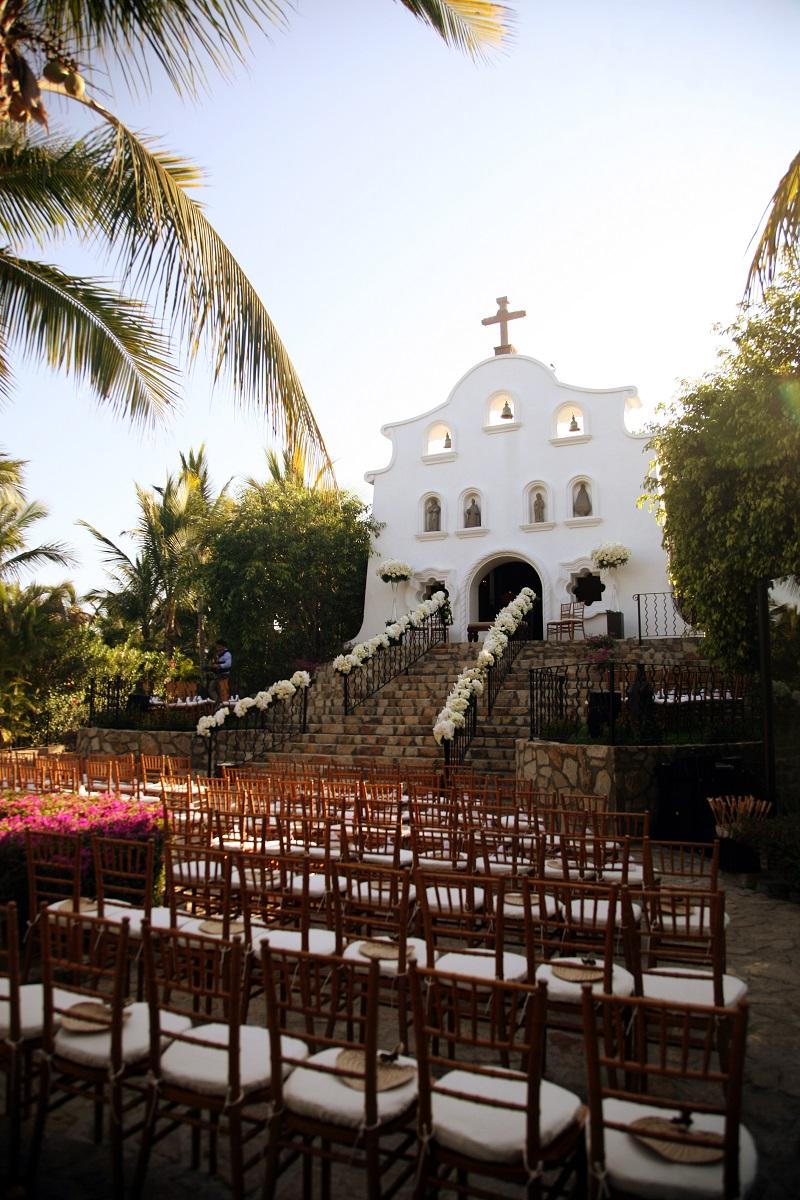 Chris+Lynn Photographers Destinations Weddings Los Cabos Mexico Elena Damy Floral Design