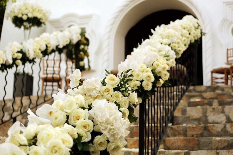 white flowers for wedding ceremonies elena damy floral design mexico