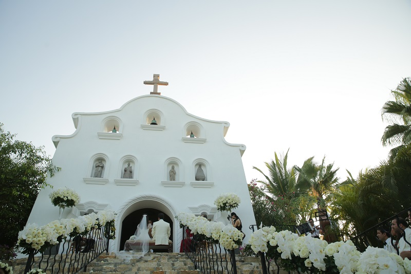 luxury floral design los cabos elena damy catholic wedding chapels