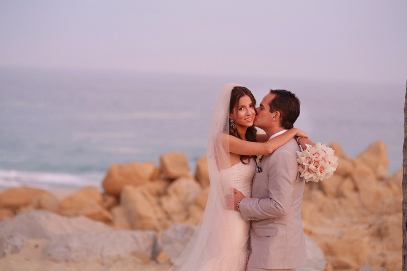 beach bridal photos los cabos mexico palmilla