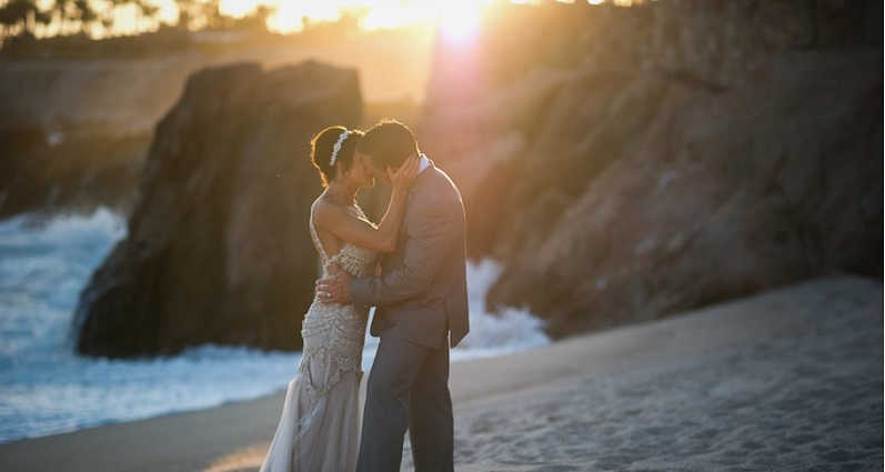 beach wedding portraits los cabos mexico alec & t photography elena damy event design