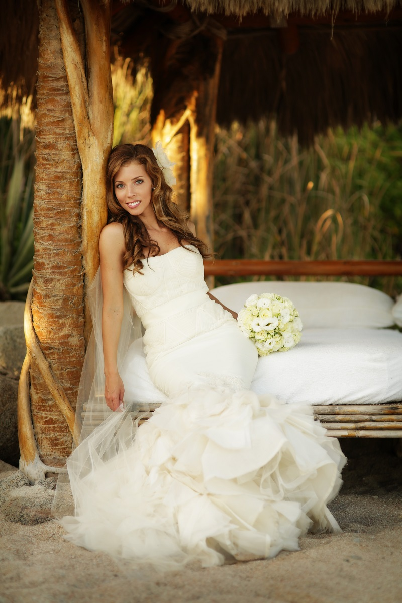 bridal portraits esperanza weddings cabo destination wedding planner elena damy