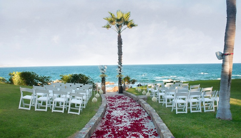 red and white wedding flowers outdoor ceremonies mexico elena damy floral