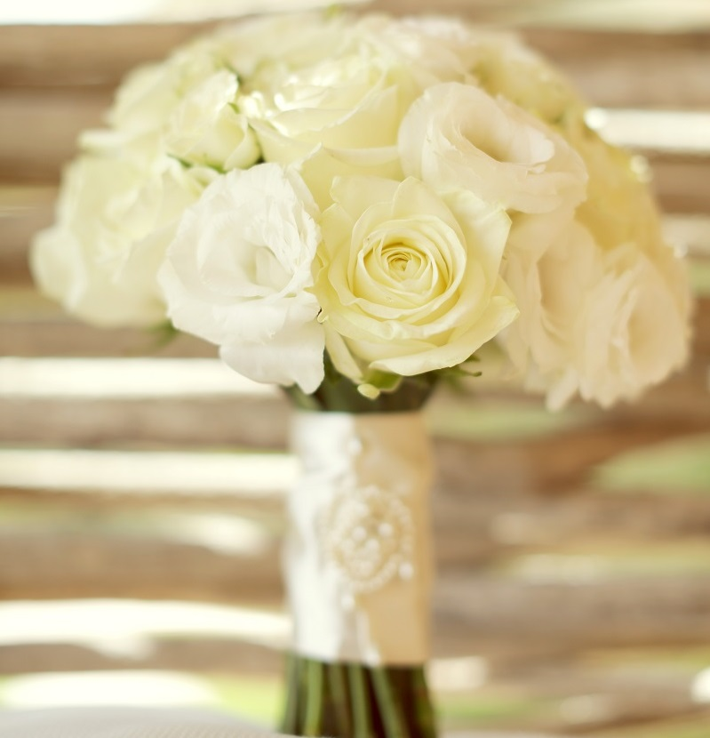 chris & lynn photography los cabos wedding photographers white bridal bouquets