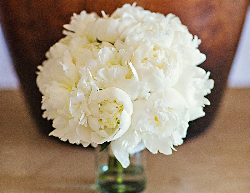 white peony bridal bouquets beach weddings mexico best floral designers los cabos