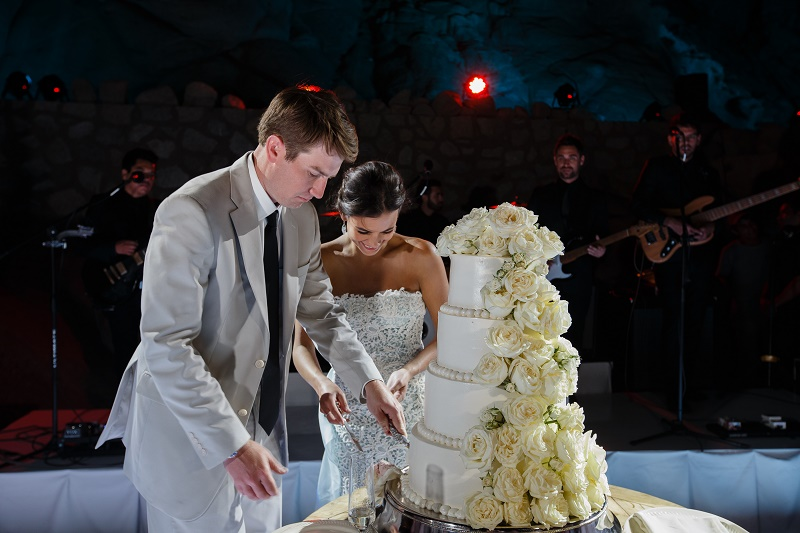 cake cutting traditional weddings mexico destination planners elena damy