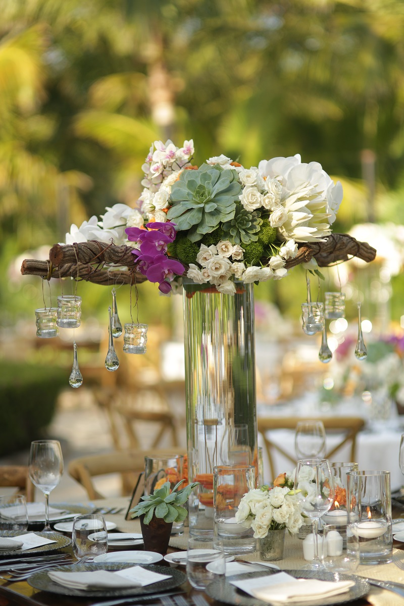 Tall Floral Centerpieces for Mexico Weddings Los Cabos Florists Elena Damy Luxury Weddings Mexico