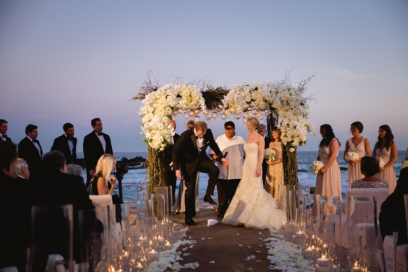 breaking the glass jewish beach weddings los cabos esperanza resort elena damy event design chris plus lynn photography