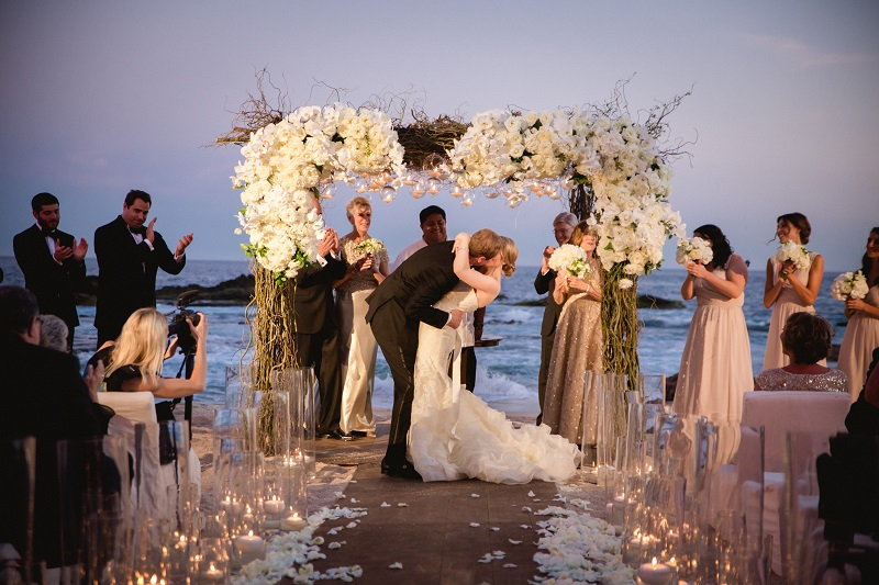 ceremony kiss beach weddings los cabos esperanza resort elena damy event design chris plus lynn photography