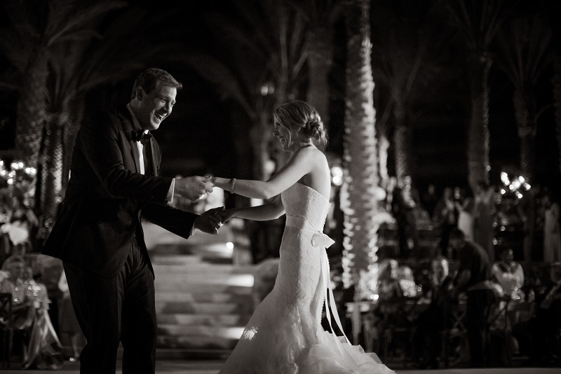 first dance beach weddings los cabos esperanza resort elena damy event design chris plus lynn photography 2