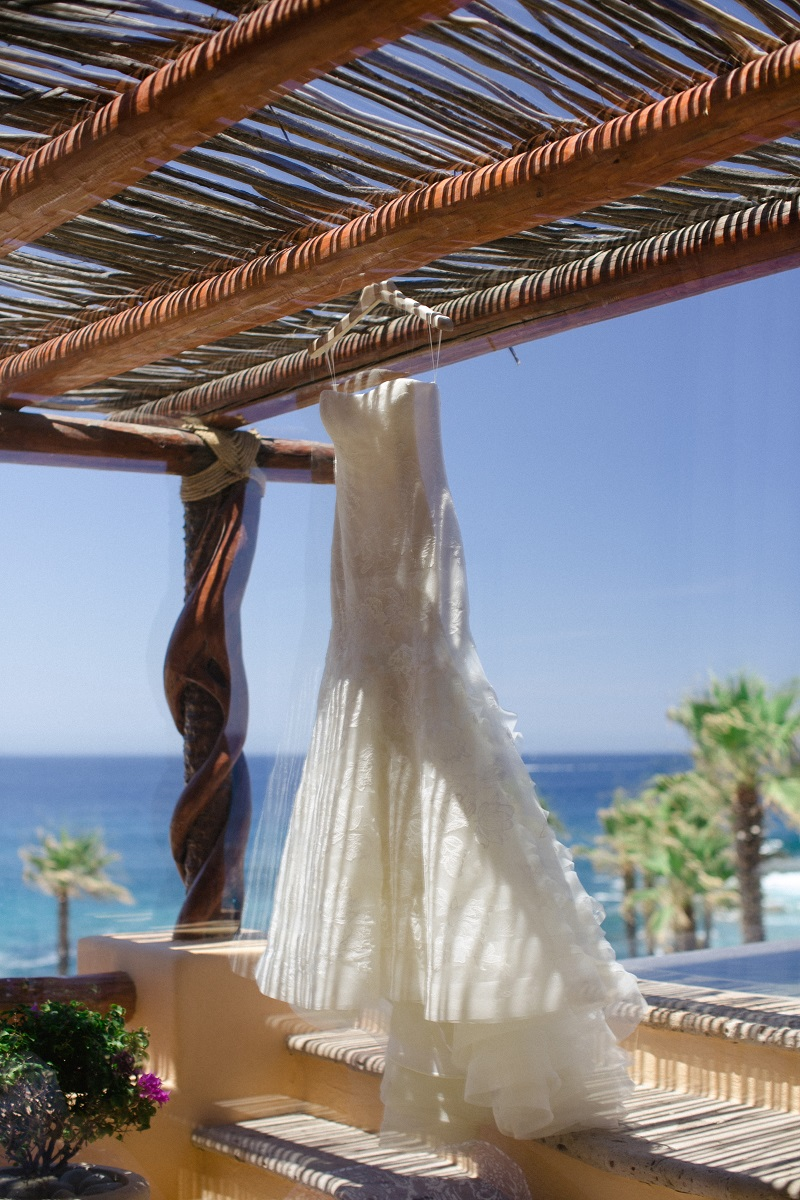 vera wang lace wedding gown wedding rings beach weddings los cabos esperanza resort elena damy event design chris plus lynn photography