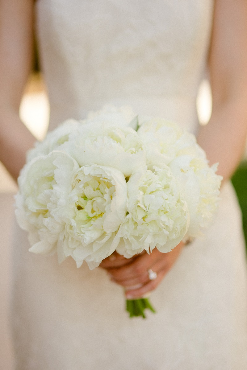 white peony bridal bouquet beach weddings los cabos esperanza resort elena damy event design chris plus lynn photography