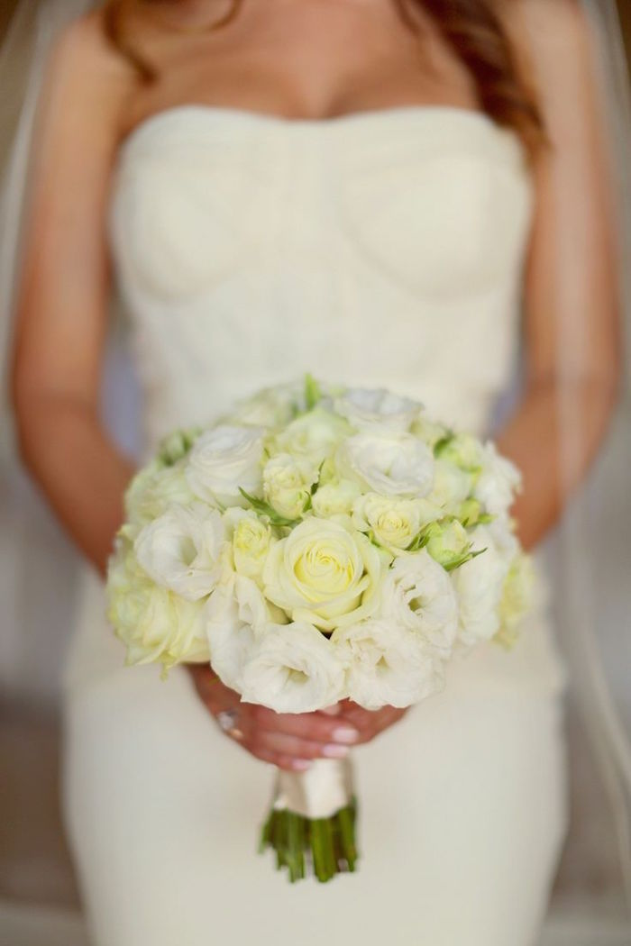 white-wedding-ideas-white and cream wedding bouquets elena damy floral design los cabos mexico destination weddings