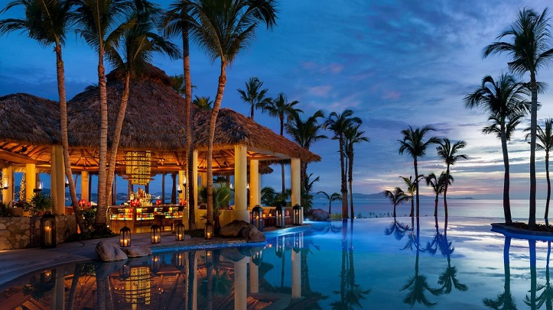 One&Only-Palmilla-000113-02-one&only-palmilla_agua-pool-&-bar