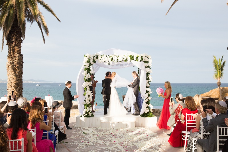 Beach Weddings Mexico Jewish Chuppahs Elena Damy Destination Weddings Los Cabos Lauren Ross Photography 1102