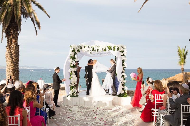 Beach Weddings Mexico Jewish Chuppahs Elena Damy Destination Los Cabos Lauren Ross Photography 1102