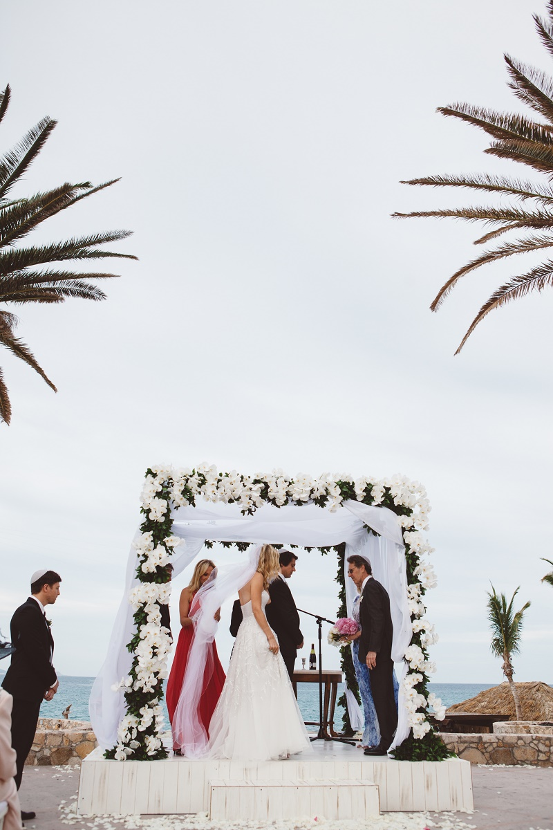 Beach Weddings Mexico Jewish Chuppahs Elena Damy Destination Weddings Los Cabos Lauren Ross Photography