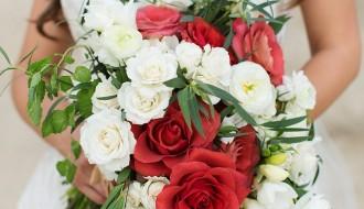 destinationIDO_red and white bridal bouquet beach weddings elena damy mexico destinations
