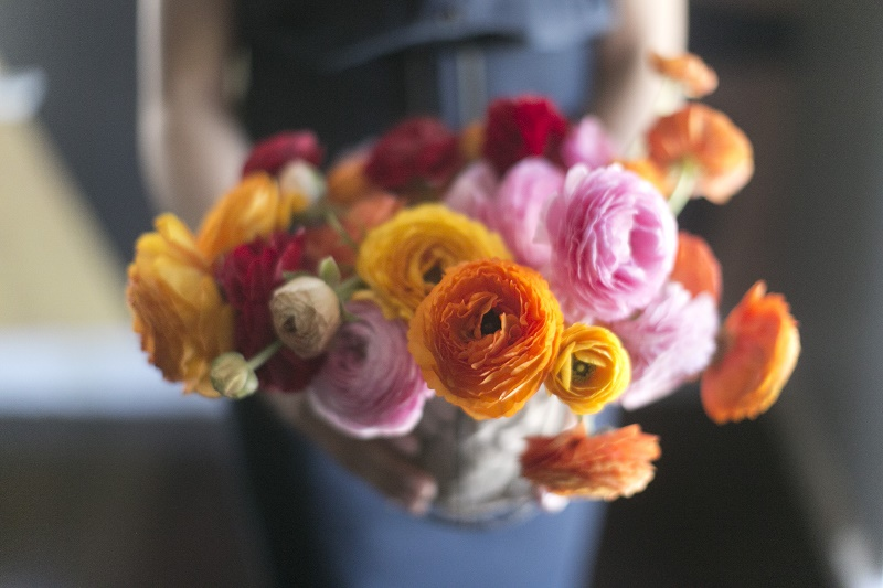 ruffled ranunculus bouquet by elena damy floral design los cabos mexico floral friday monday muse springtime blooms