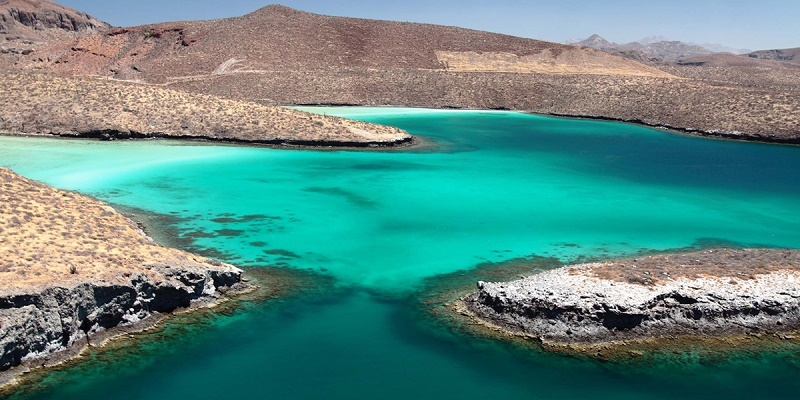 aerial-view-of-espiritu-santo-island-wedding weekend excursions elena damy wedding planners mexico