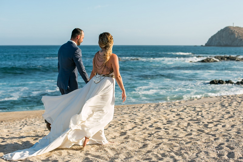 beach wedding photos cabo del sol