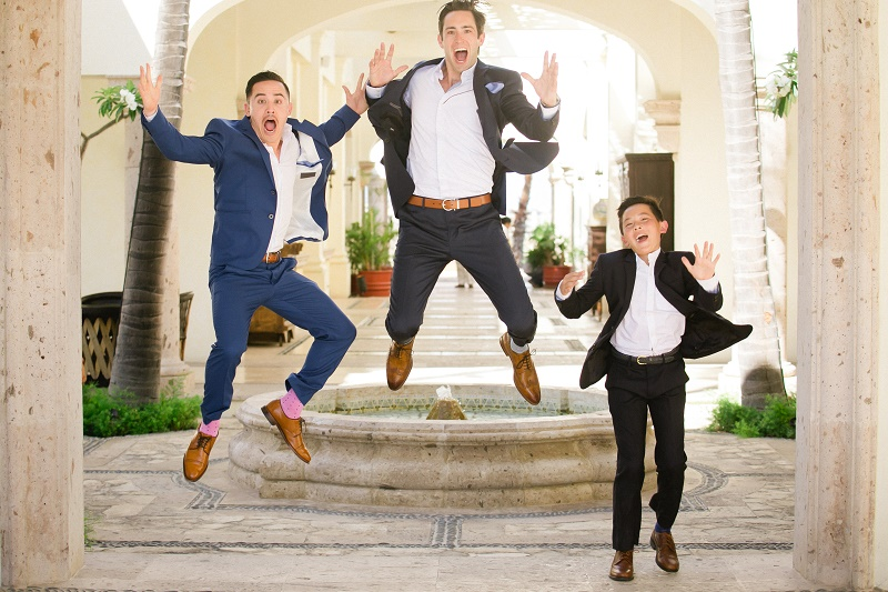 groom jumping weddings at cabo del sol elena damy destination wedding planners mexico chris plus lynn photo