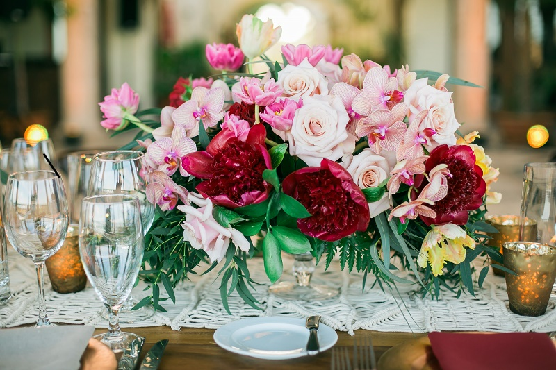 pink and red boho chic wedding flowers elena damy event design
