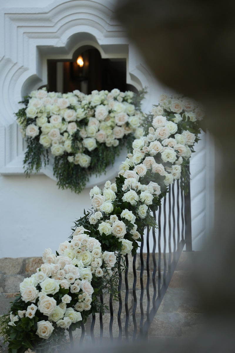 all white floral decor spanish chapel one and only palmilla weddings elena damy event designers