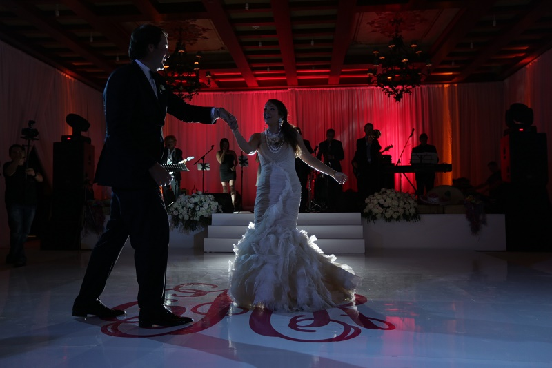first dance Cabo Weddings One and Only Palmilla Elena Damy Event Design Cabo Chris Plus Lynn Photo