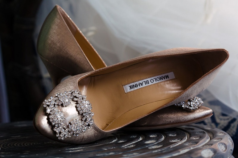 hangisi-manolo-blahniks-wedding-shoes-4-eyes-photo-ny-elena-damy-wedding-planners-destination-weddings-mexico