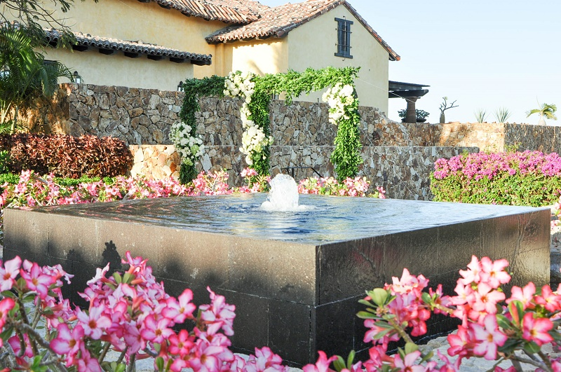 fountains-plumeria-garden-arches-for-weddings-in-cabo-san-lucas-elena-damy