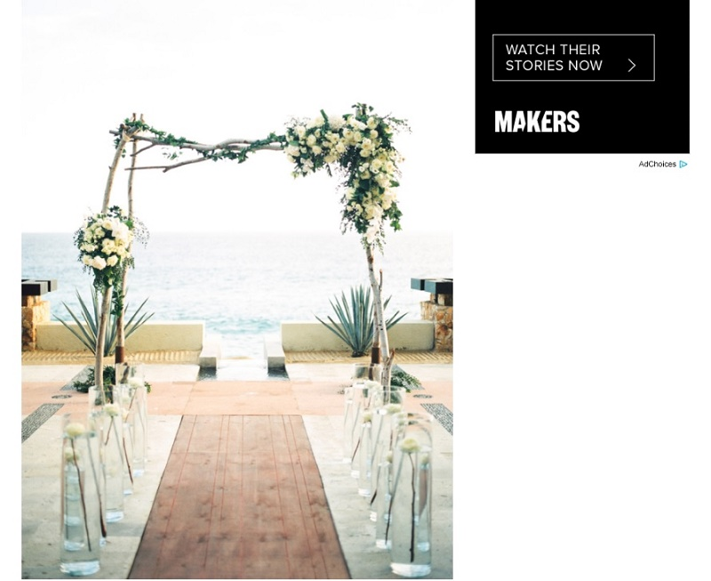 organic-wedding-decor-natural-wedding-ceremony-arch-mexico-wedding-planners-elena-damy-floral-design