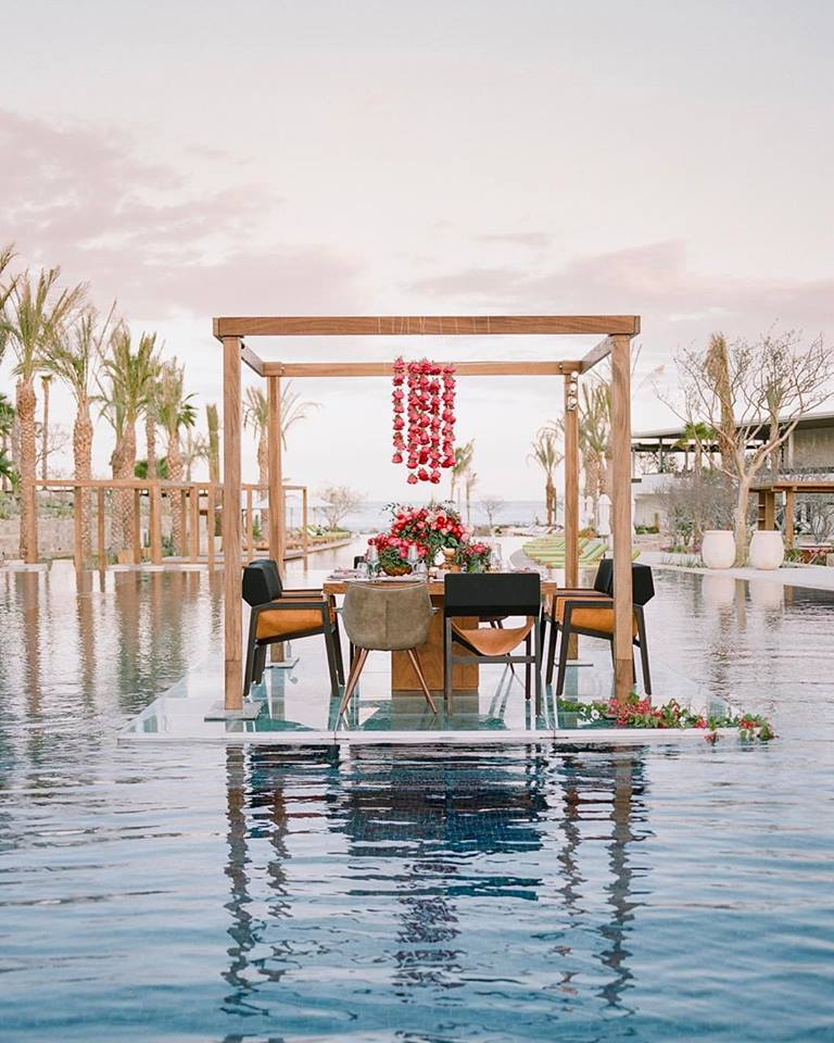 floating table 2 rebecca yale photography elena damy event design cabo san lucas