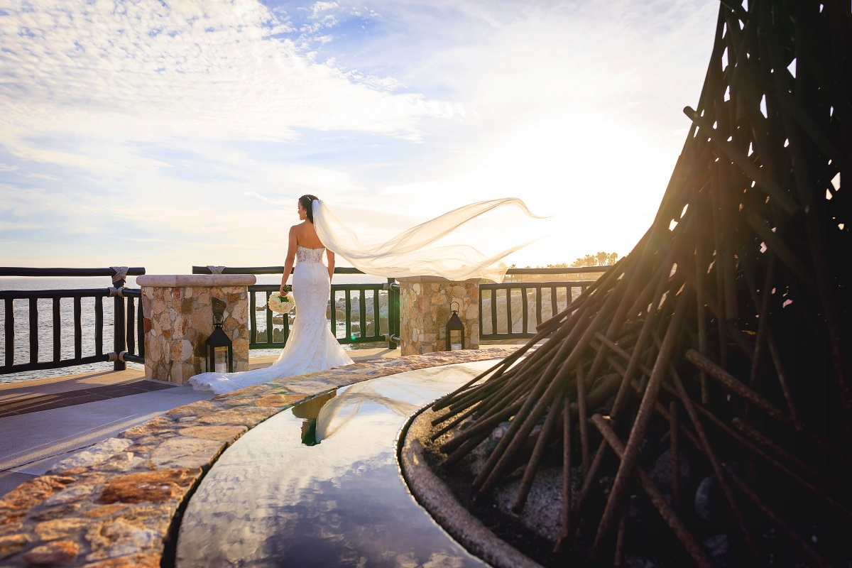 cabo bride veil in the wind