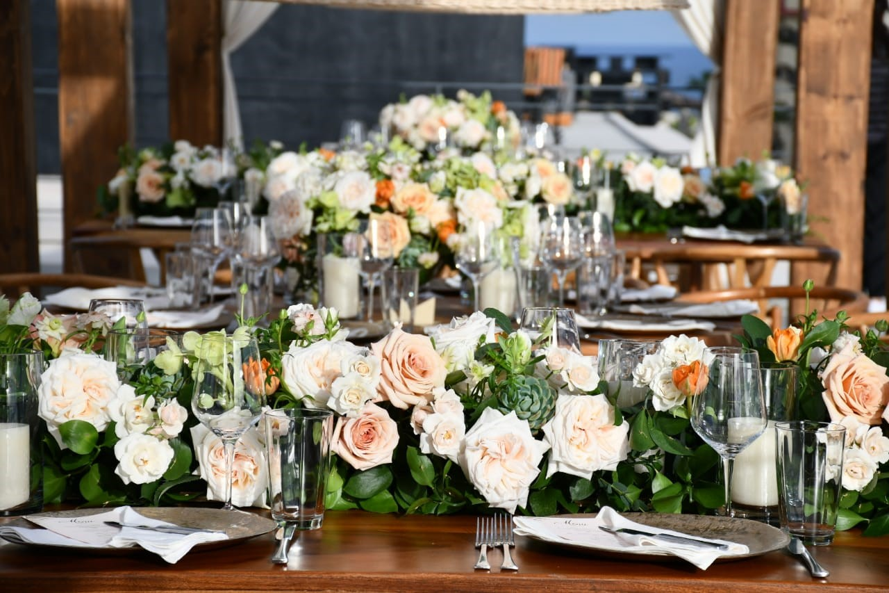 blush and peach colored flowers for weddings