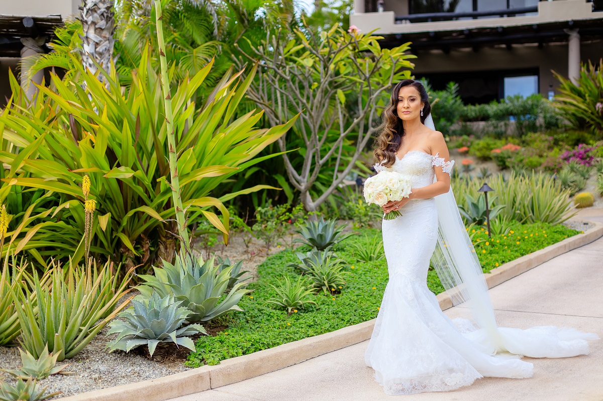 bride portraits cabo wedding photographer