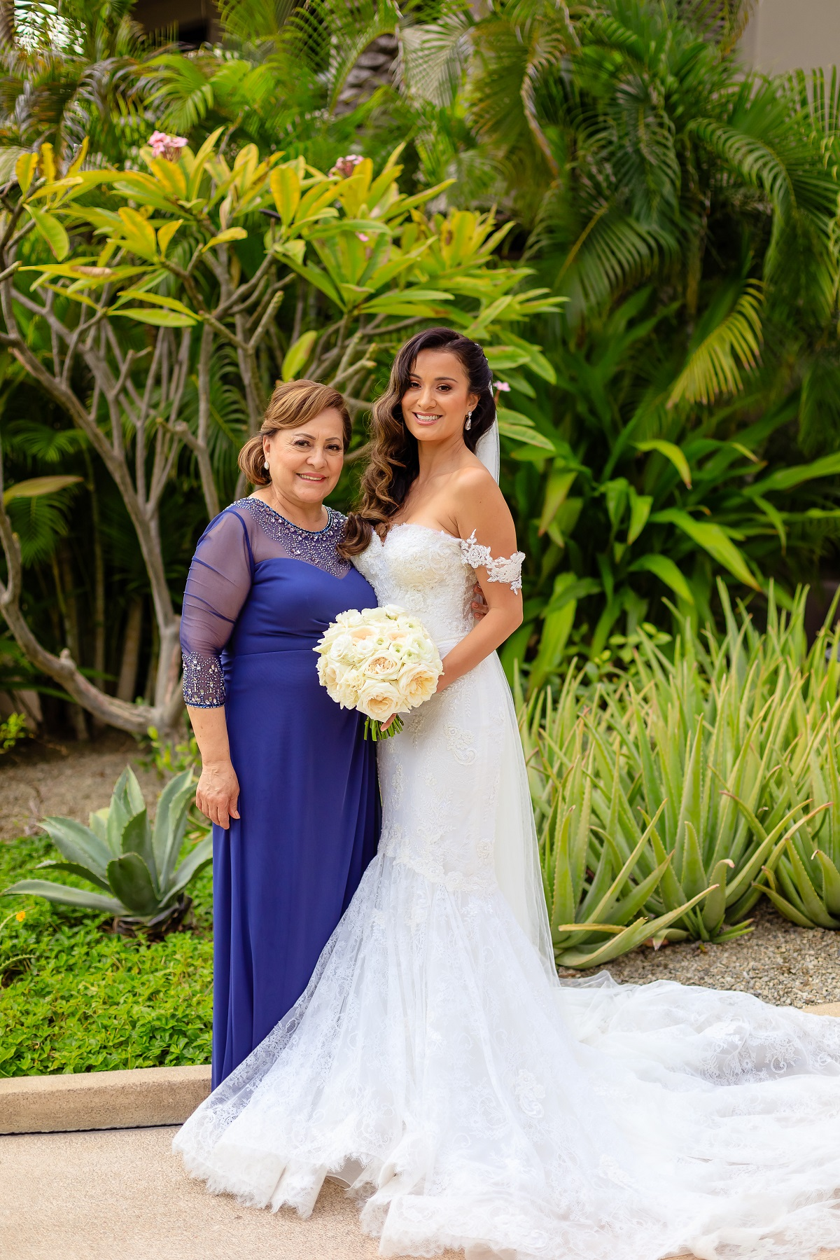 bride and her mother church wedding cabo