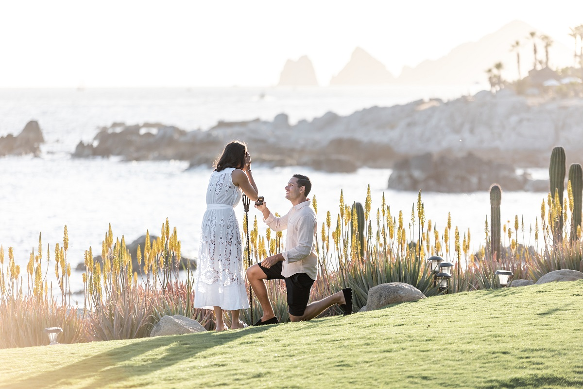 pop the question in Cabo